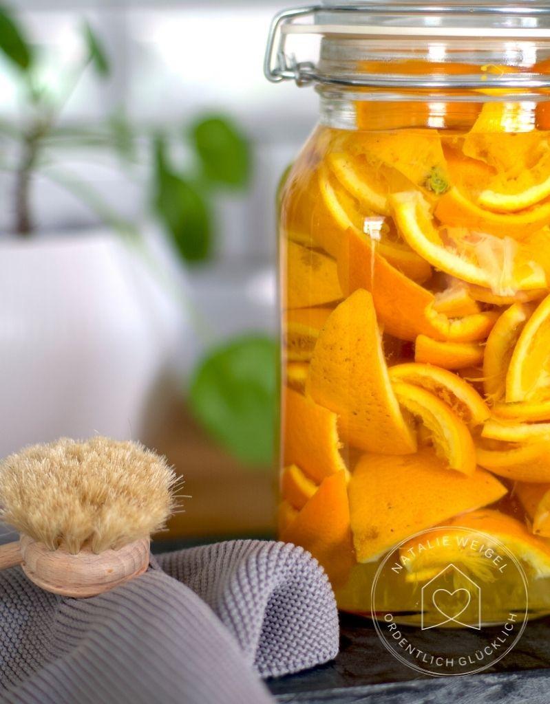 DIY Orangenreiniger aus Orangenschalen